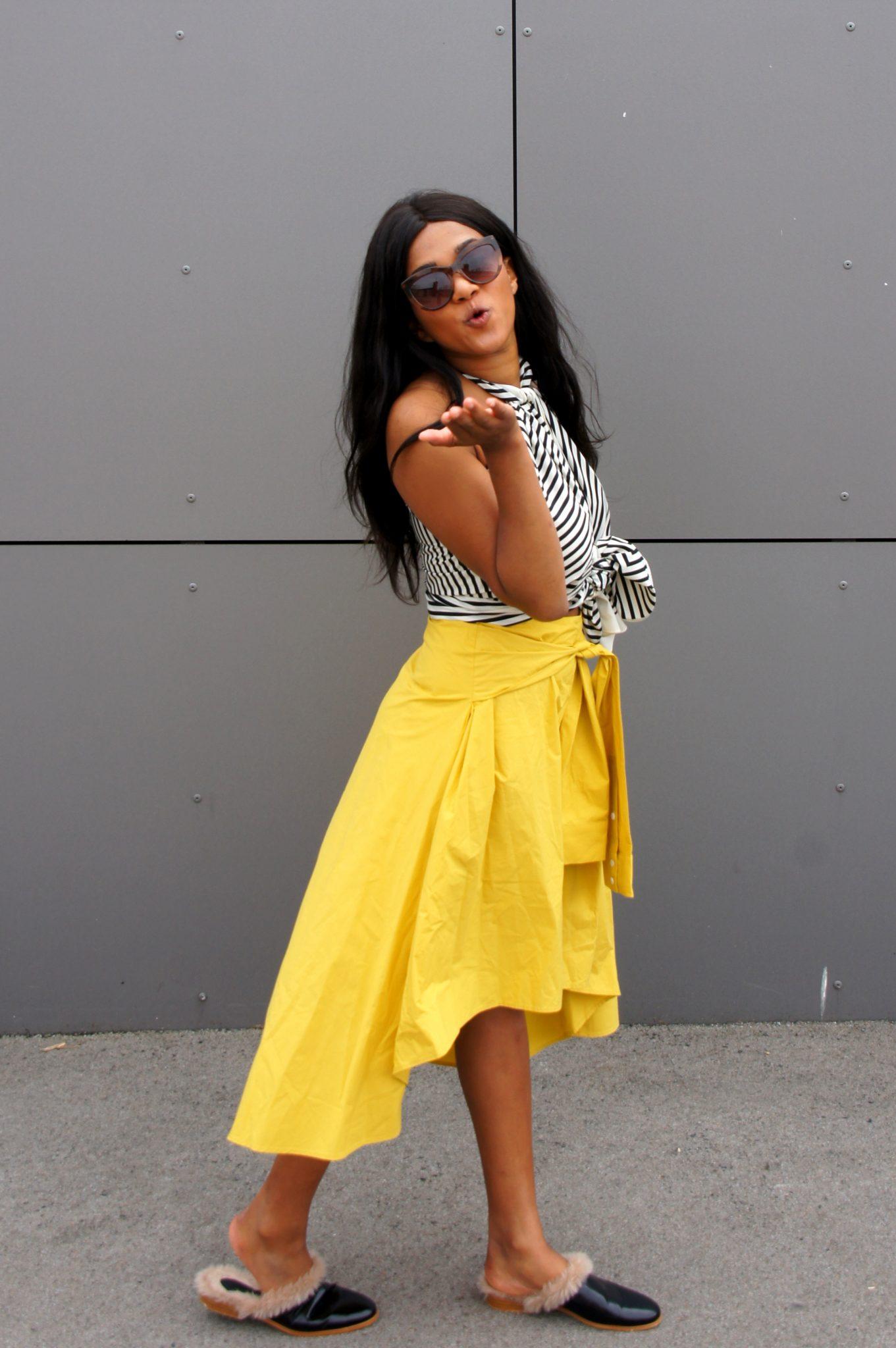 Colourful Spring Outfit Pantone 2021 PANTONE 17-5104 Ultimate Gray + PANTONE 13-0647