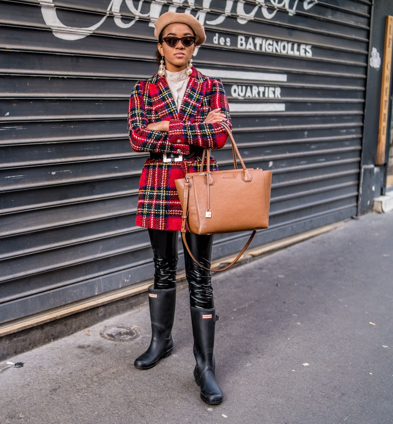checked blazer and belt combination blogger paris