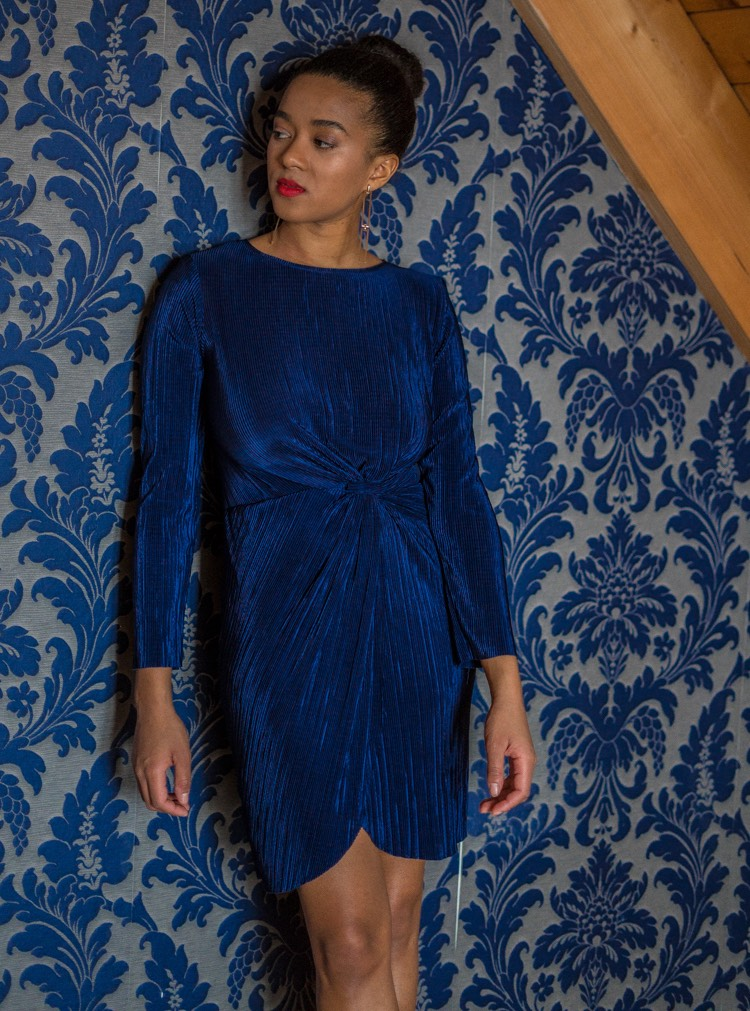 formal dinner blue dress what to wear