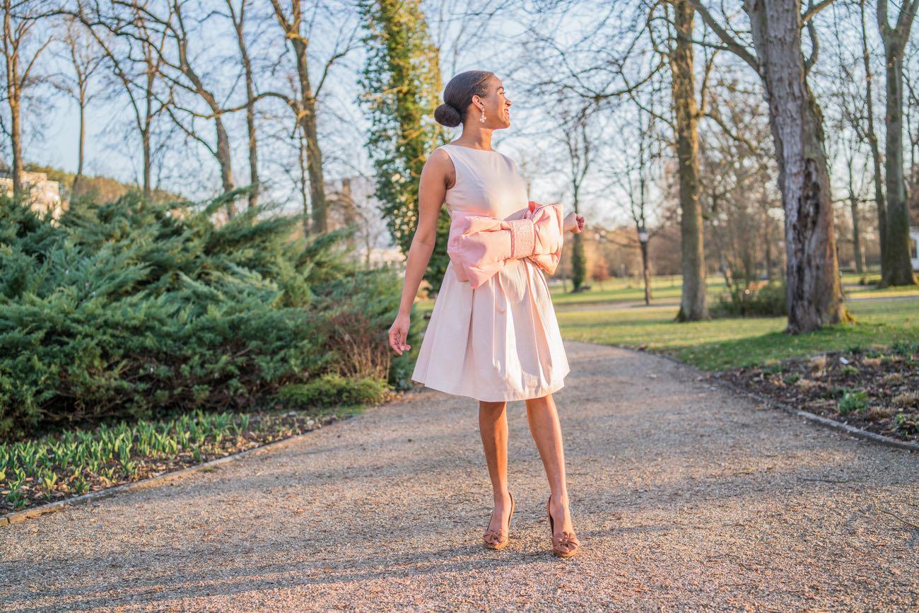 Kleid mit XL Schleife feminism inspiring women