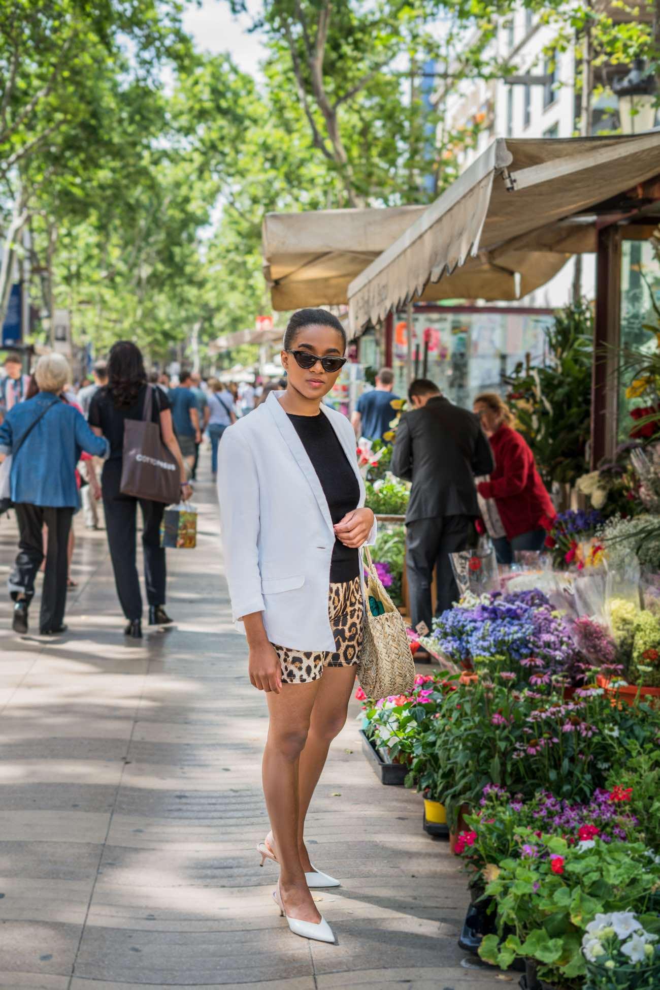 Las Ramblas flower shot fashion blogger wearing the cycling shorts trend