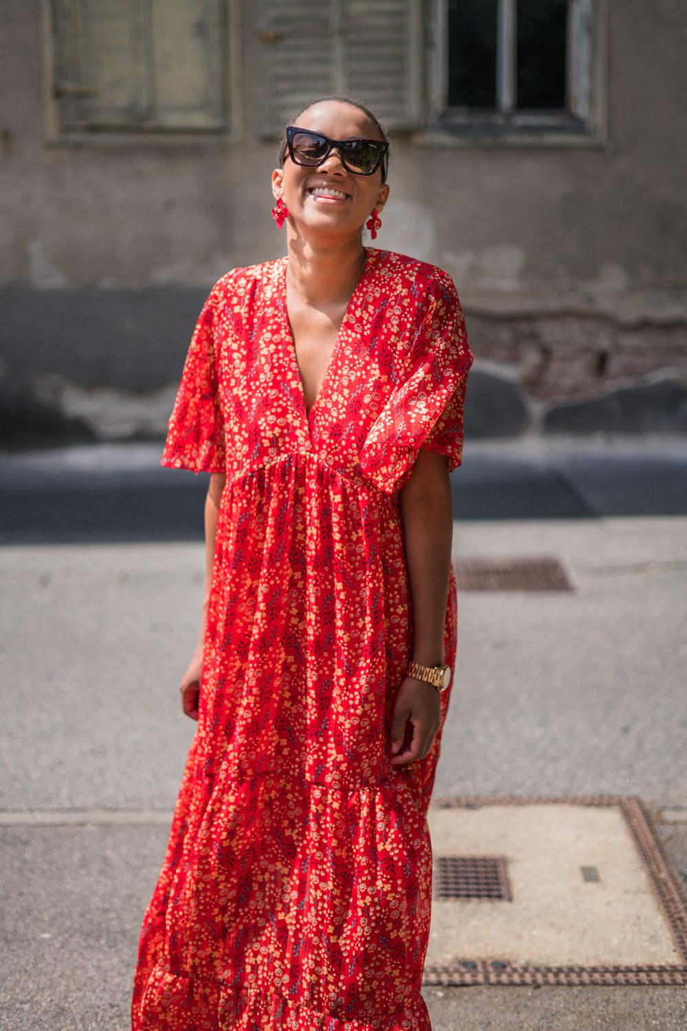 German fashion blogger wearing a maxi dress in fall