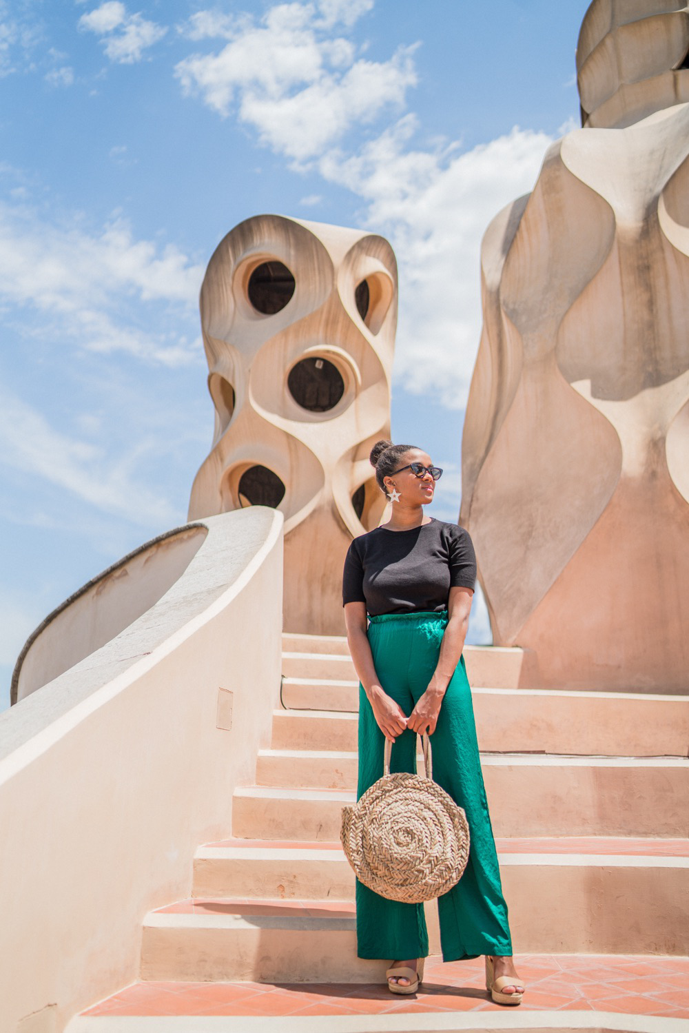 La Pedrera green flare pants blogger business