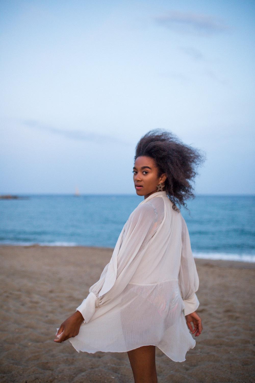 Barcelona Fashion Blogger at the beach in Barceloneta