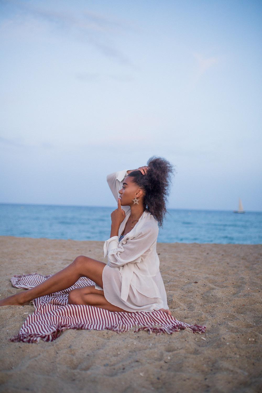 Fomo meetmiri at the beach barcelona blogger