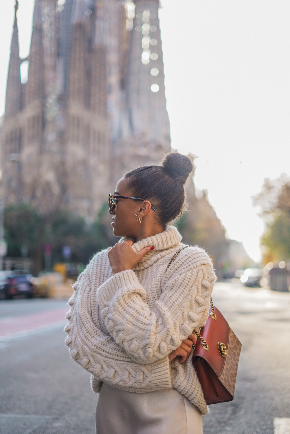 Key Pieces I Love to Wear in Fall fashion blogger Mirjam Maisch Sagrada Familia