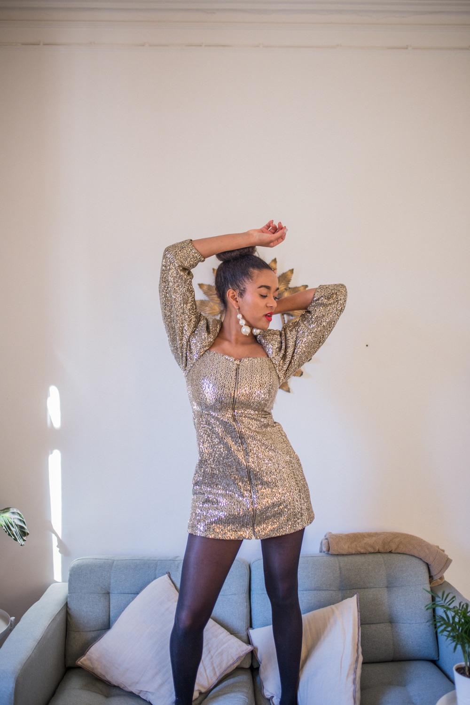 Blog Fashion Blogger in sequin dress