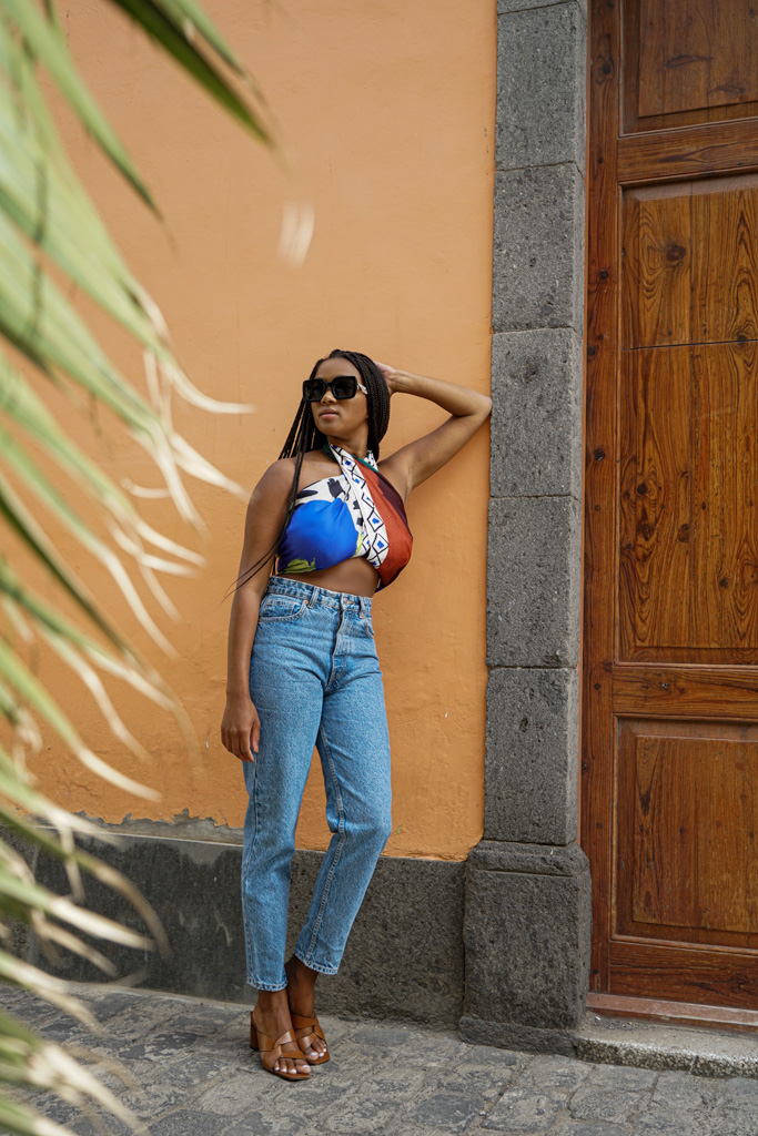 German Fashion Blogger in Gran Canaria How to style a Scarf Top