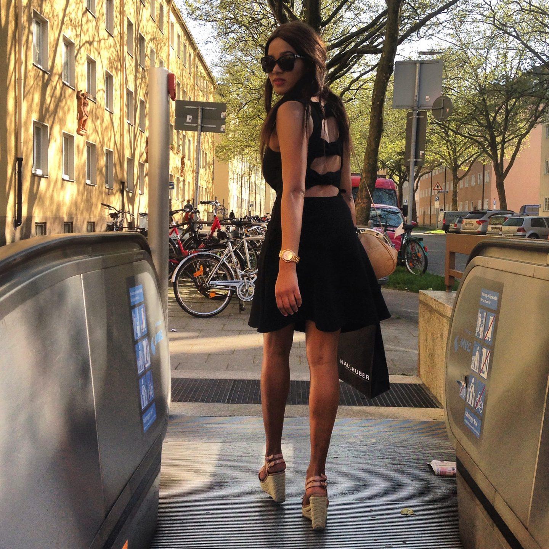 Kleid mit Schleife am Rücken Styling a Bow