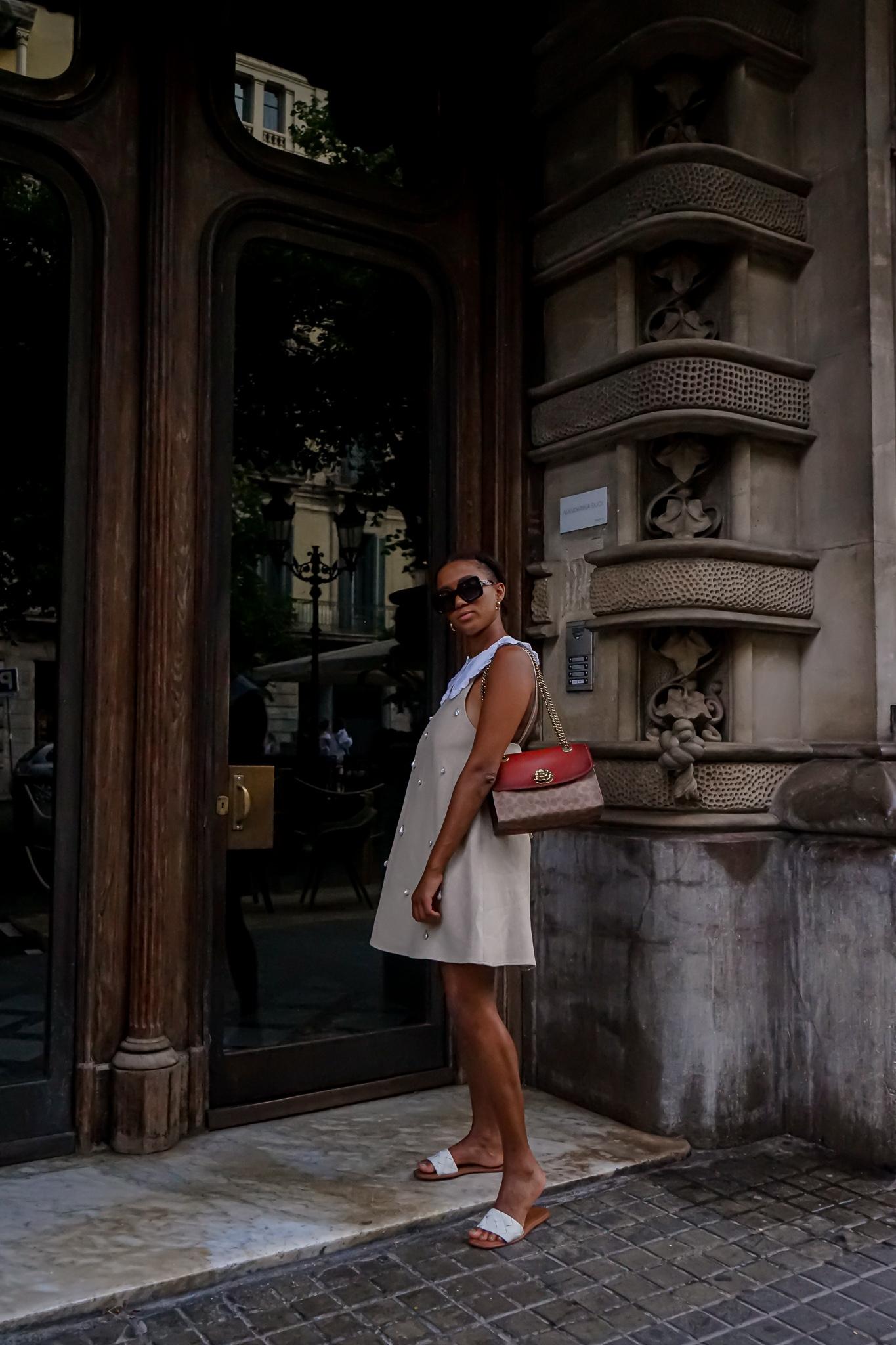 German fashion blogger white pilgrim collar