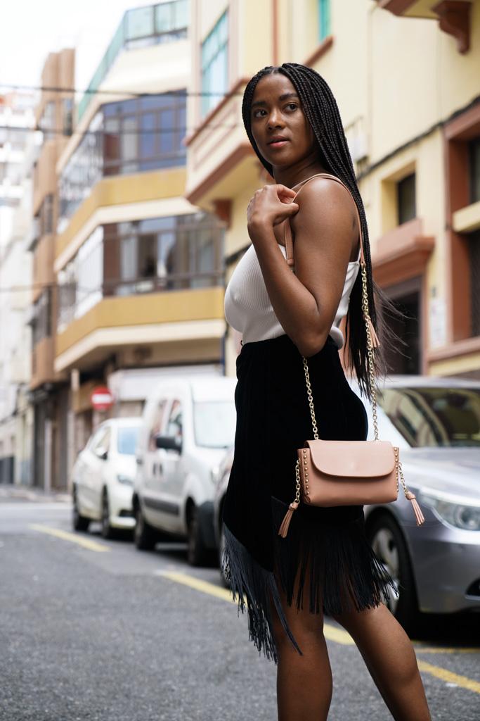 wearing fringes street style fashion blogger